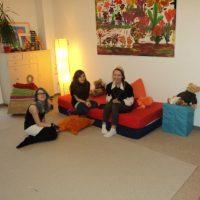 Mädels beim Loungen