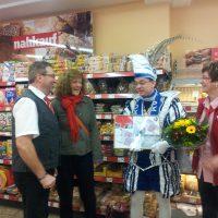 Spendenübergabe durch Karnevalsprinz Achim II von Trierweiler